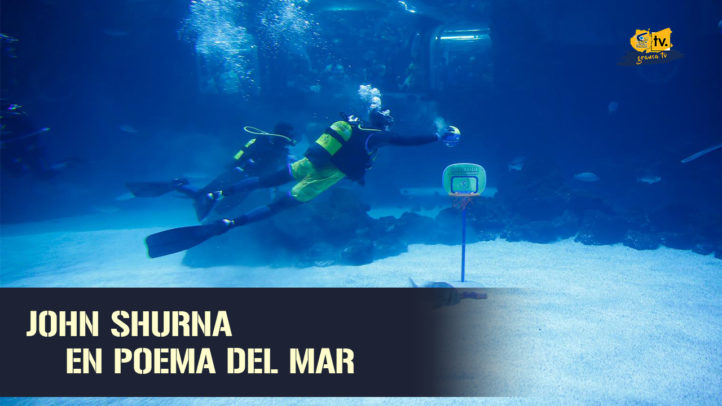 John Shurna, entre tiburones en Poema del Mar (23.08.19)