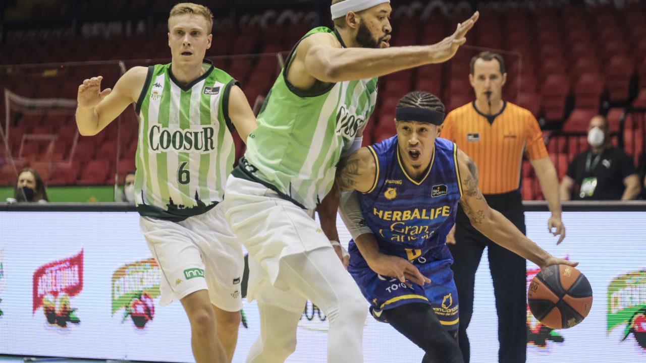 Gran Canaria gana en Sevilla y completa los playoffs. Estudiantes desciende y Bilbao Basket se salva